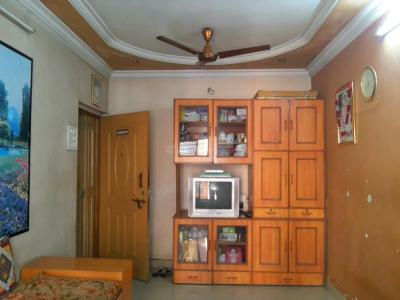 Gallery Cover Image of 550 Sq.ft 1 BHK Apartment for buy in Thane West for 7500000