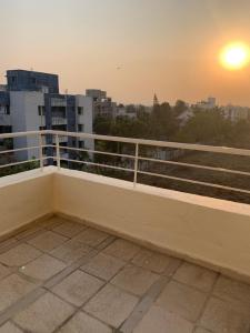 Gallery Cover Image of 1405 Sq.ft 2 BHK Apartment for rent in Rohan Mithila, Viman Nagar for 30000