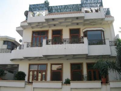 Gallery Cover Image of 1350 Sq.ft 2 BHK Independent Floor for rent in Sector 17 for 24000