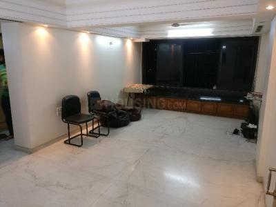 Gallery Cover Image of 1000 Sq.ft 2 BHK Apartment for rent in Bandra East for 60000