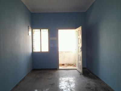 Gallery Cover Image of 680 Sq.ft 2 BHK Apartment for buy in Kolathur for 3100000