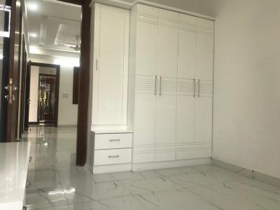 Gallery Cover Image of 1300 Sq.ft 3 BHK Apartment for buy in Gyan Khand for 6199999