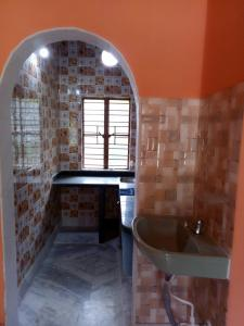 Gallery Cover Image of 500 Sq.ft 1 BHK Independent House for rent in Keshtopur for 5000