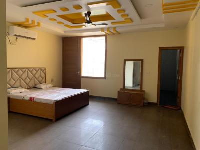 Gallery Cover Image of 700 Sq.ft 1 BHK Apartment for rent in Sector 62 for 10000