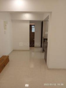 श्री वरद्विनायक मोरया हाइट्स, बोरीवली वेस्ट  में 15800000  खरीदें  के लिए 15800000 Sq.ft 2 BHK अपार्टमेंट के हॉल  की तस्वीर