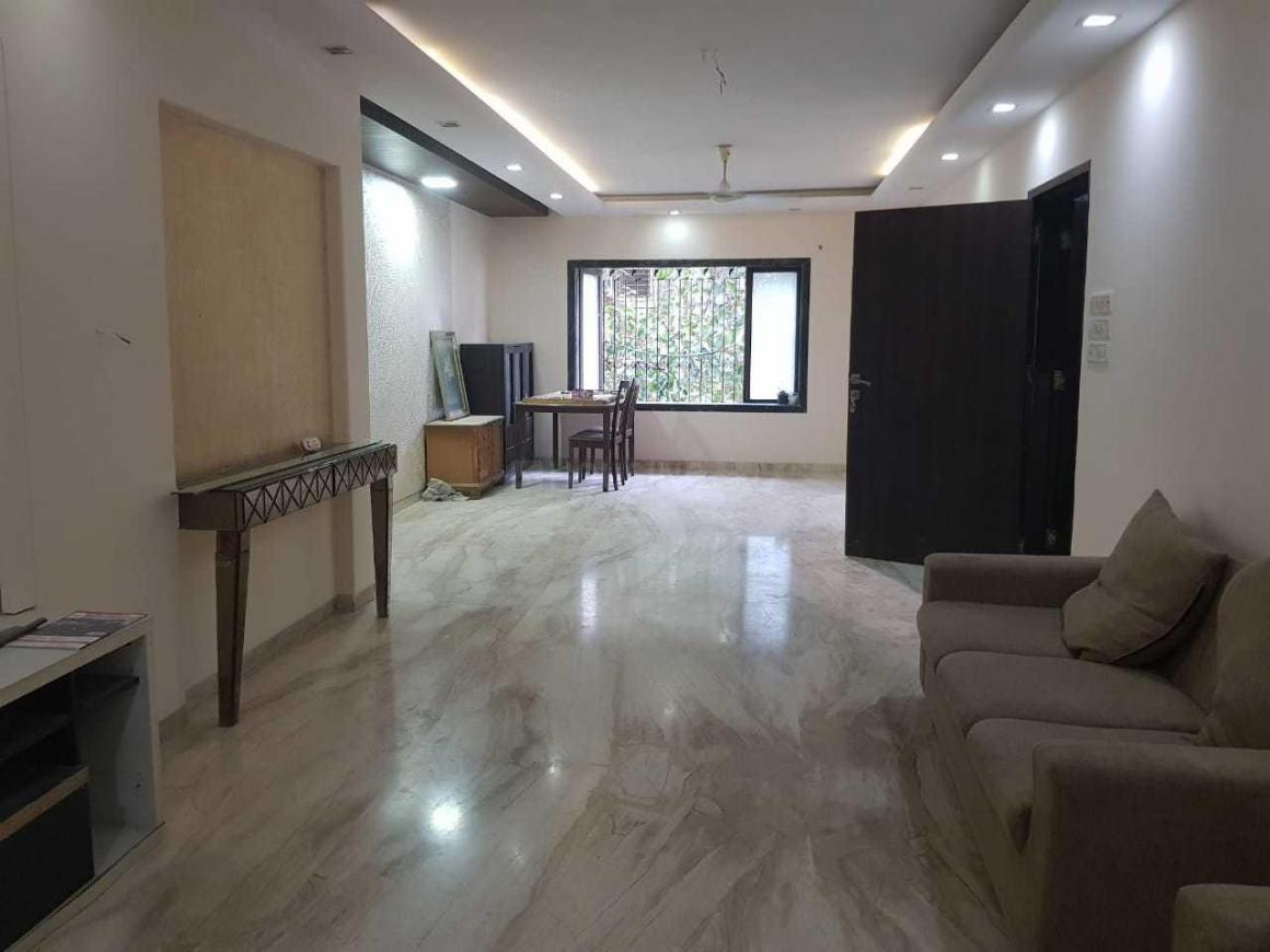 Living Room Image of 1700 Sq.ft 3 BHK Apartment for rent in Bandra West for 125000