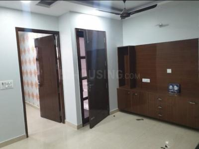 Gallery Cover Image of 1800 Sq.ft 3 BHK Independent Floor for rent in Kirti Nagar for 47500