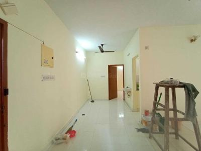 Gallery Cover Image of 1250 Sq.ft 2 BHK Apartment for rent in Velachery for 17000