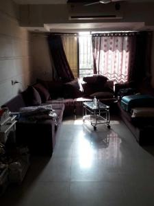 Gallery Cover Image of 1100 Sq.ft 3 BHK Apartment for rent in Kandivali West for 49000
