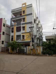 Gallery Cover Image of 1200 Sq.ft 3 BHK Apartment for buy in Gollapudi for 5400000
