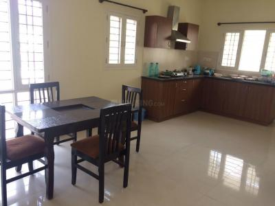 Gallery Cover Image of 1300 Sq.ft 2 BHK Apartment for rent in Domlur Layout for 40000