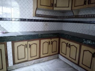 Gallery Cover Image of 1800 Sq.ft 2 BHK Independent Floor for rent in Sector 34 for 18000