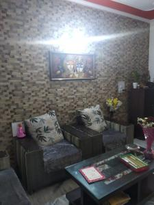 Gallery Cover Image of 2500 Sq.ft 4 BHK Independent Floor for buy in Sector 49 for 4625000