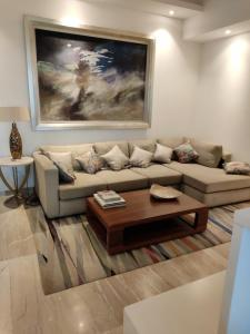 Gallery Cover Image of 2105 Sq.ft 3 BHK Apartment for buy in Supertech Supernova, Sector 94 for 21500000