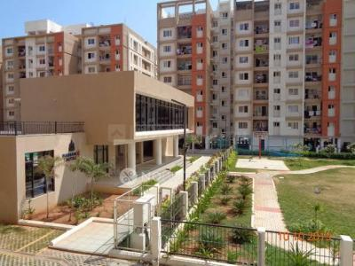 Gallery Cover Image of 1100 Sq.ft 2 BHK Apartment for rent in Radiance Empire, Vyasarpadi for 25000