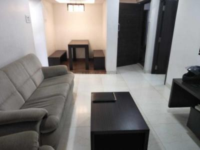 Gallery Cover Image of 880 Sq.ft 2 BHK Apartment for rent in Bandra East for 76000