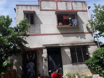 Gallery Cover Image of 9000 Sq.ft 4 BHK Independent House for buy in Mukundapur for 3800000