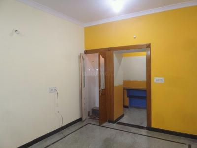 Gallery Cover Image of 600 Sq.ft 1 BHK Apartment for rent in Rajajinagar for 12000