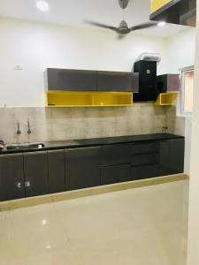 Gallery Cover Image of 2209 Sq.ft 3 BHK Apartment for rent in Kokapet for 36000