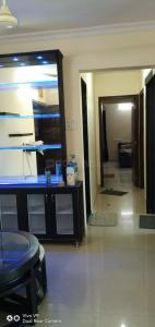 Gallery Cover Image of 1040 Sq.ft 2 BHK Apartment for rent in Kasarvadavali, Thane West for 25000