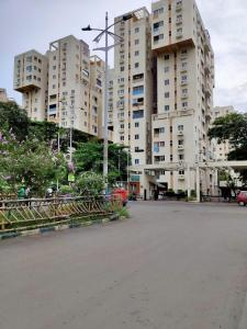 Gallery Cover Image of 1600 Sq.ft 3 BHK Apartment for rent in Utsa Luxury Complex, New Town for 28000