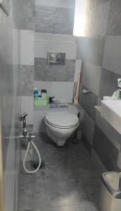 Common Bathroom Image of Giriraj in Cumballa Hill