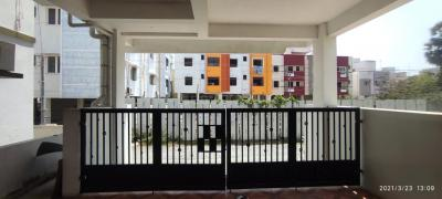 Gallery Cover Image of 900 Sq.ft 1 BHK Apartment for rent in  Medavakkam, Medavakkam for 10000