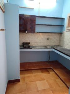Gallery Cover Image of 712 Sq.ft 2 BHK Apartment for rent in Nanmangalam for 10500