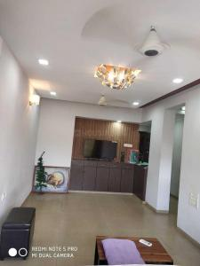 Gallery Cover Image of 650 Sq.ft 1 BHK Apartment for rent in Juhu for 65000