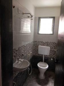 मुंधवा में रुक्मणी पार्क में बाथरूम की तस्वीर