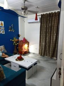 Gallery Cover Image of 1050 Sq.ft 3 BHK Independent House for buy in Shakti Khand for 4500000