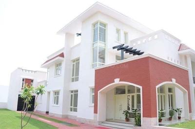 Gallery Cover Image of 5700 Sq.ft 6 BHK Villa for buy in Golf City for 20000000