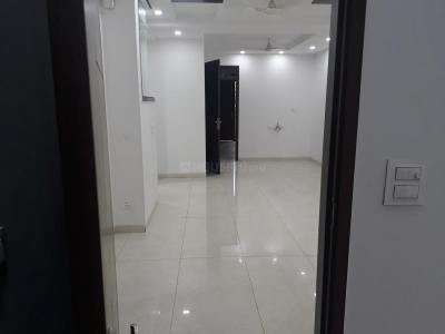 Gallery Cover Image of 2600 Sq.ft 4 BHK Independent Floor for rent in Chittaranjan Park for 80000