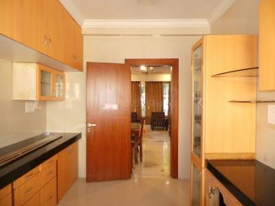 Gallery Cover Image of 1600 Sq.ft 3 BHK Apartment for rent in Seawoods for 63500