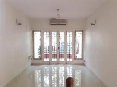 Gallery Cover Image of 2000 Sq.ft 3 BHK Apartment for rent in Sucharita Apartments, Raja Annamalai Puram for 50000