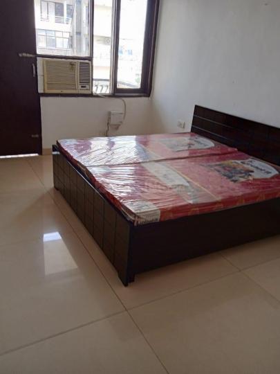 सेक्टर 52 में बेडरूम इमेज ऑफ फुल्ली फर्निश्ड सेपरेट रूम विद पावर बैकअप