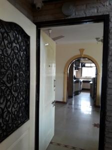 Gallery Cover Image of 1000 Sq.ft 2 BHK Apartment for rent in Santacruz East for 70000