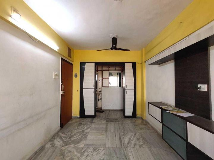 Living Room Image of 600 Sq.ft 1 BHK Apartment for rent in Borivali West for 18000