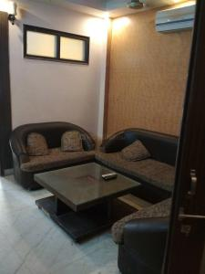 Gallery Cover Image of 1280 Sq.ft 3 BHK Apartment for rent in Vikaspuri for 24000