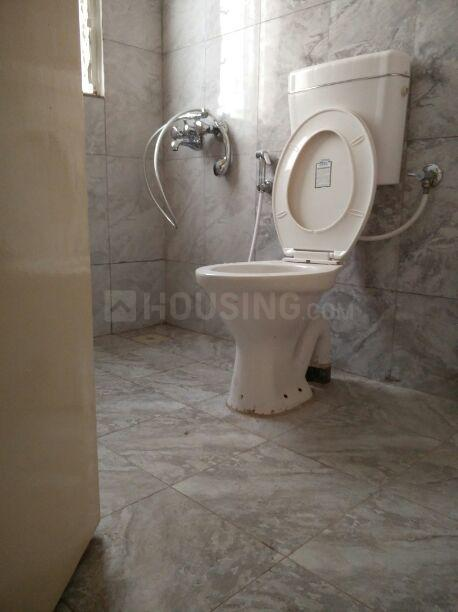 Common Bathroom Image of 550 Sq.ft 2 BHK Apartment for rent in Bebadohal for 7500