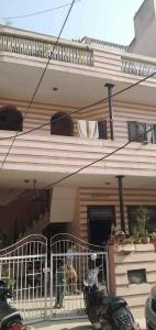 Gallery Cover Image of 1400 Sq.ft 6 BHK Independent House for buy in Sector 17 for 20000000