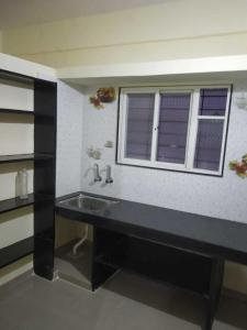Gallery Cover Image of 1100 Sq.ft 2 BHK Apartment for rent in Jogeshwari West for 48000