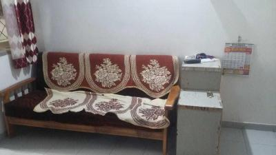 Gallery Cover Image of 1450 Sq.ft 2 BHK Apartment for rent in Jivrajpark for 22500