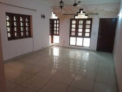 Gallery Cover Image of 1250 Sq.ft 2 BHK Apartment for rent in Sector 36 for 17000