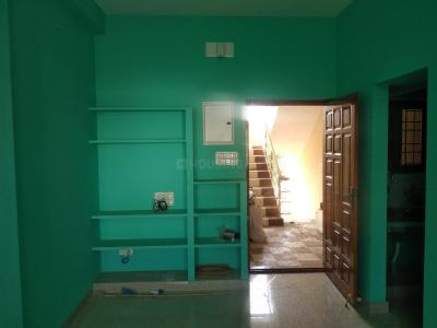 Gallery Cover Image of 500 Sq.ft 1 BHK Independent Floor for rent in Chembarambakkam for 7000