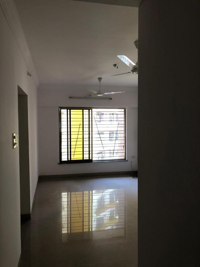Living Room Image of 1050 Sq.ft 2 BHK Apartment for rent in Mulund East for 34000