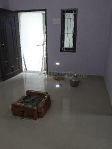 Gallery Cover Image of 600 Sq.ft 1 BHK Independent Floor for rent in Kodambakkam for 9000