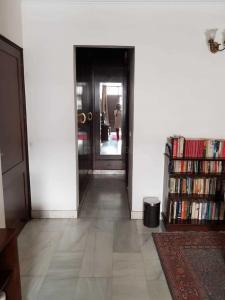 Gallery Cover Image of 3600 Sq.ft 4 BHK Independent Floor for rent in Dhingra Floors Vasant Vihar , Vasant Vihar for 139000