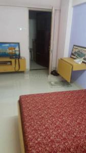 Gallery Cover Image of 360 Sq.ft 1 RK Apartment for rent in Bandra West for 30000