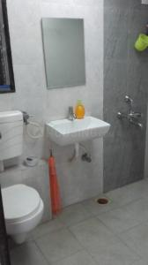 Gallery Cover Image of 667 Sq.ft 1 BHK Apartment for rent in Dadar West for 60000